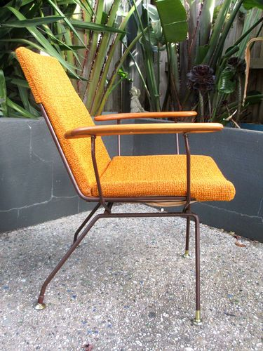 Superieur 1950s ORANGE FABRIC, WIRE, METAL ROD CHAIR W. TIMBER ARMS VINTAGE RETRO  ATOMIC