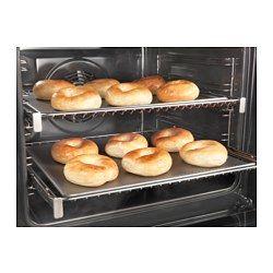 IKEA - KULINARISK, Ovn med dampfunktion, 5 års garanti. Læs betingelserne i garantifolderen.Når du kombinerer damp og varm luft, får du et optimalt fugt- og varmeniveau, der holder madvarerne bløde og fugtige indeni og sprøde og brune udenpå.Ekstra stort rum og 5 madlavningsniveauer sikrer, at du har masser af plads til den mad, du vil tilberede.Med specialprogrammerne kan du kontrollere, hvordan dej hæver, før den bliver bagt, tørre og henkoge madvarer eller sterilisere…