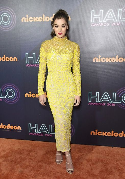 Hailee Steinfeld | Must-See Star Styles from the 2016 Nickelodeon HALO Awards