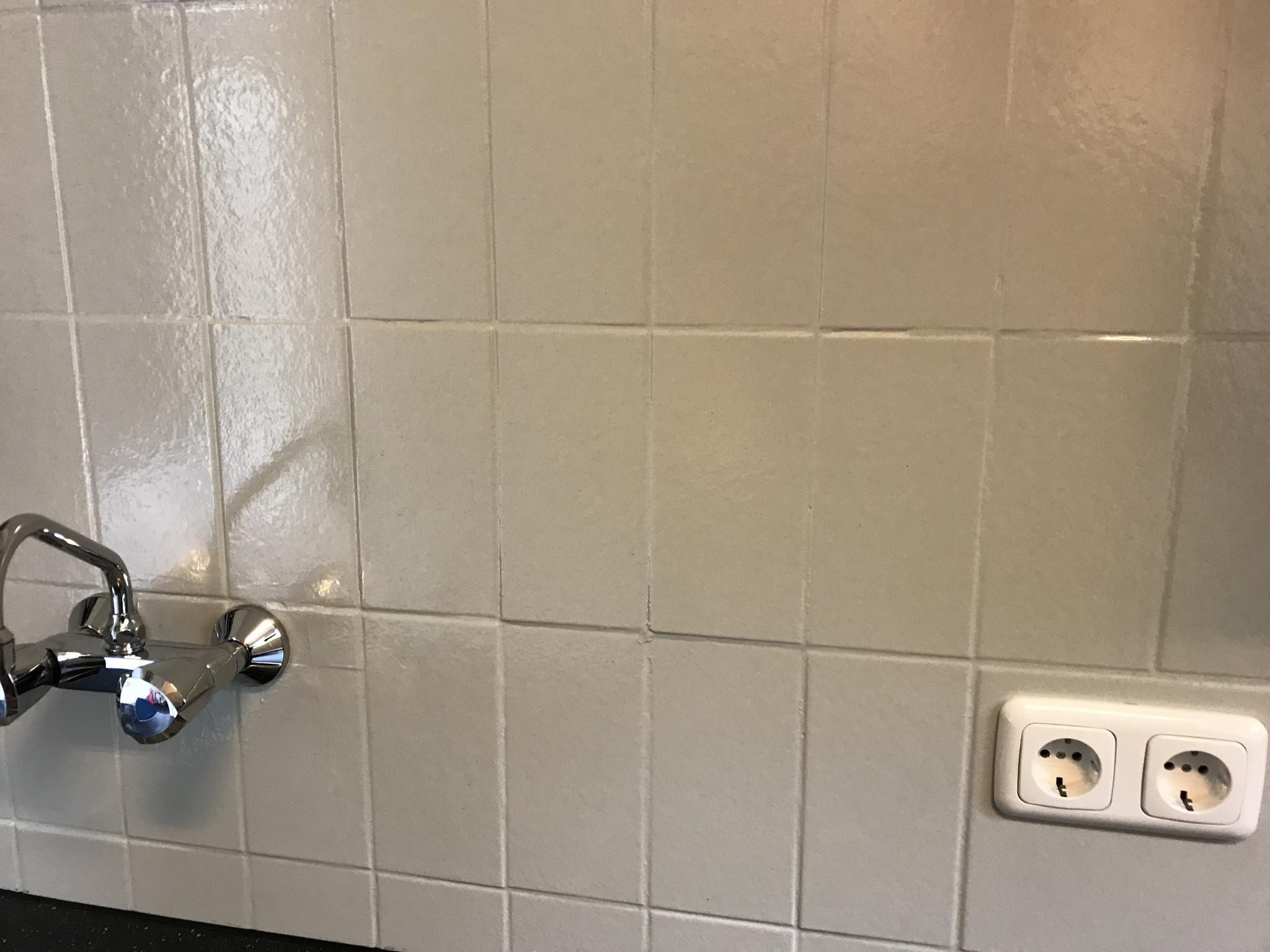 Tegels verven met betonverf of muurverf is geen probleem
