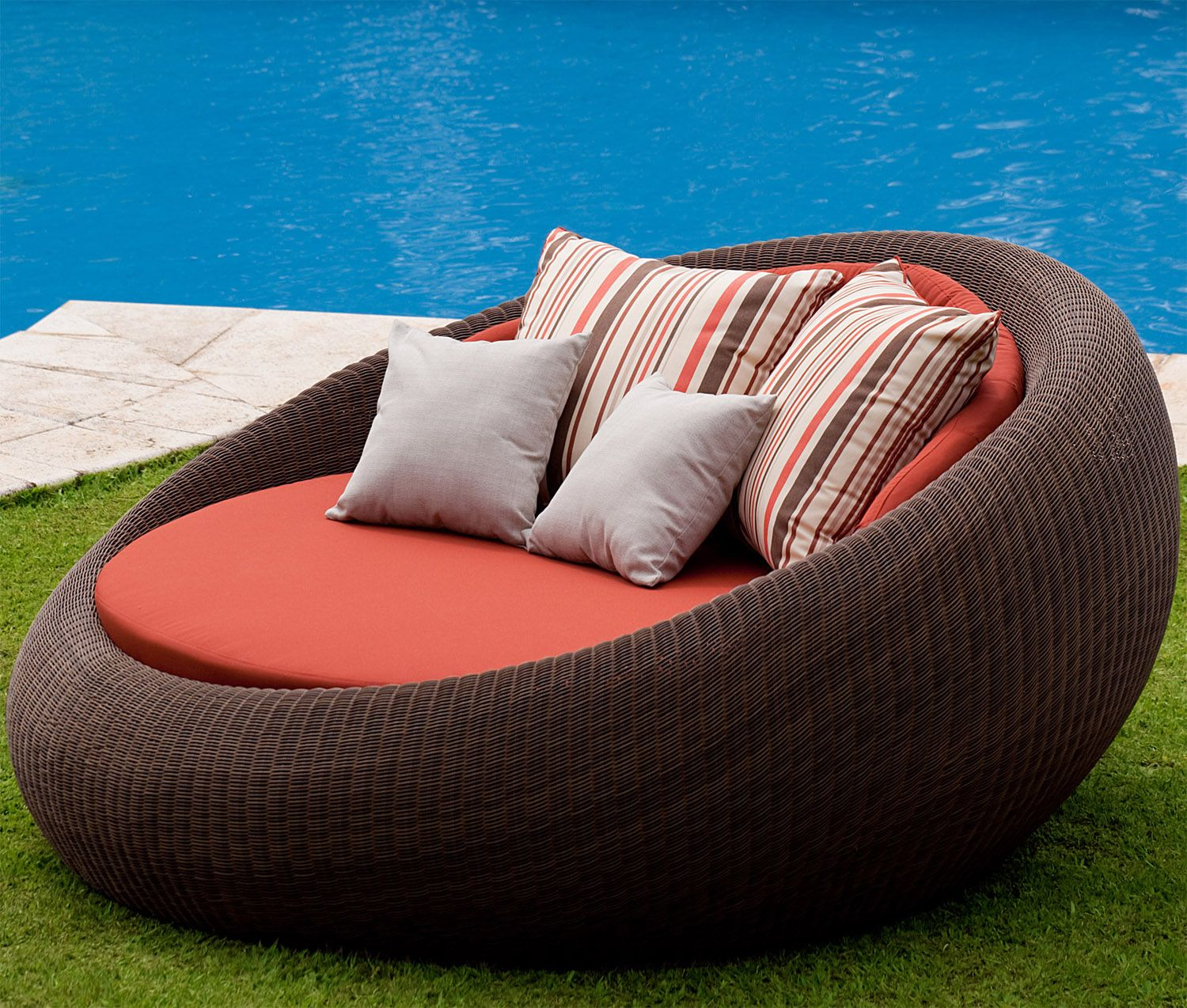 Diy Round Patio Daybed