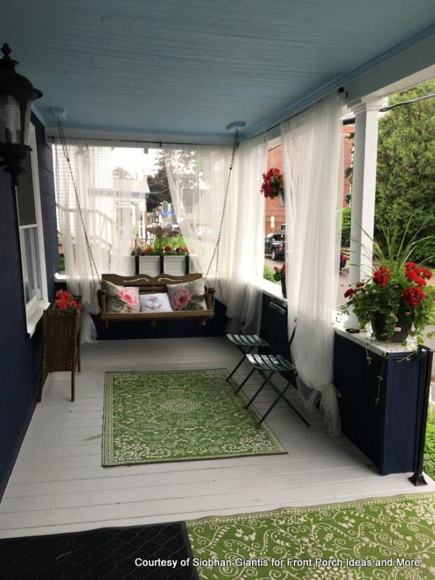 Making your own outdoor curtain panels from drop cloths is easy attractive and gives your porch some nice shade - and ambiance too! #patio #cozy #patio #projekteimfreien