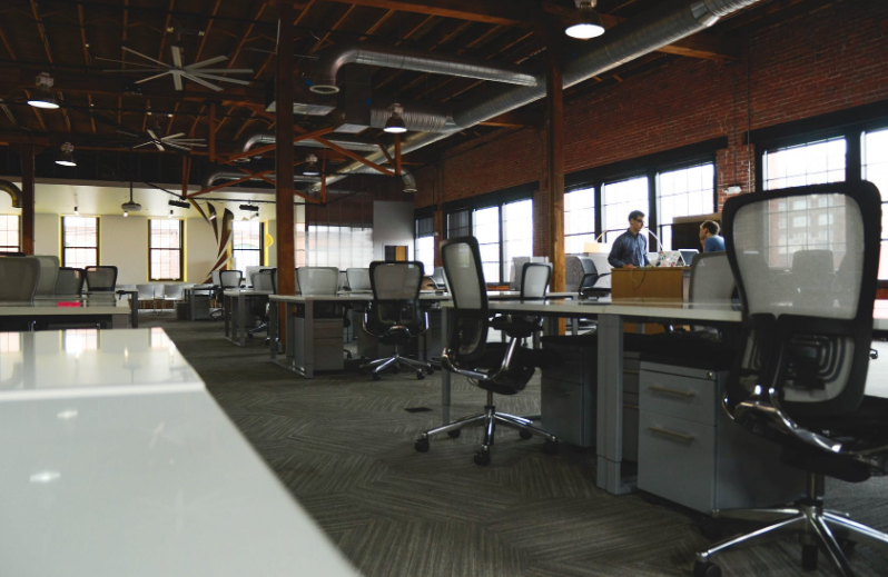 Interior Designing Of The Company Affects The Efficiency Office Interior Design How To Clean Carpet Office Interiors