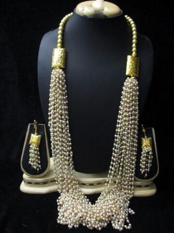 dadf49fb5968c Long Moti Mala | butti | Gold jhumka earrings, Jewelry, Beaded jewelry