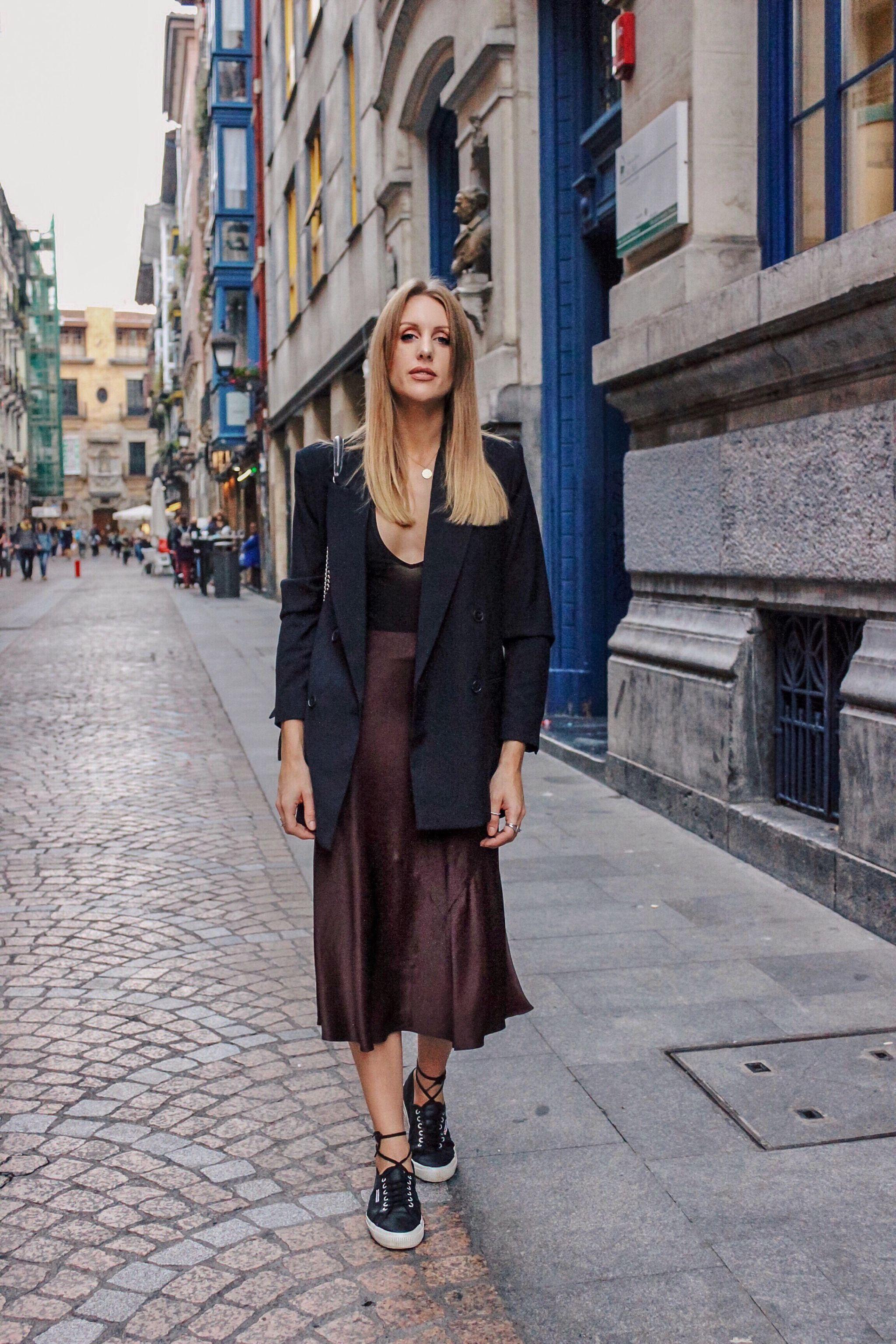 What I Wore in Bilbao   Slip skirt   Fashion, Midi skirt