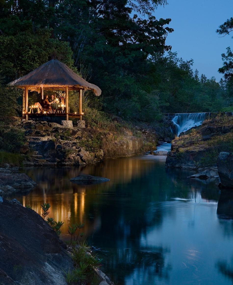 Best Honeymoon Destinations: Romantic Tropical Getaways