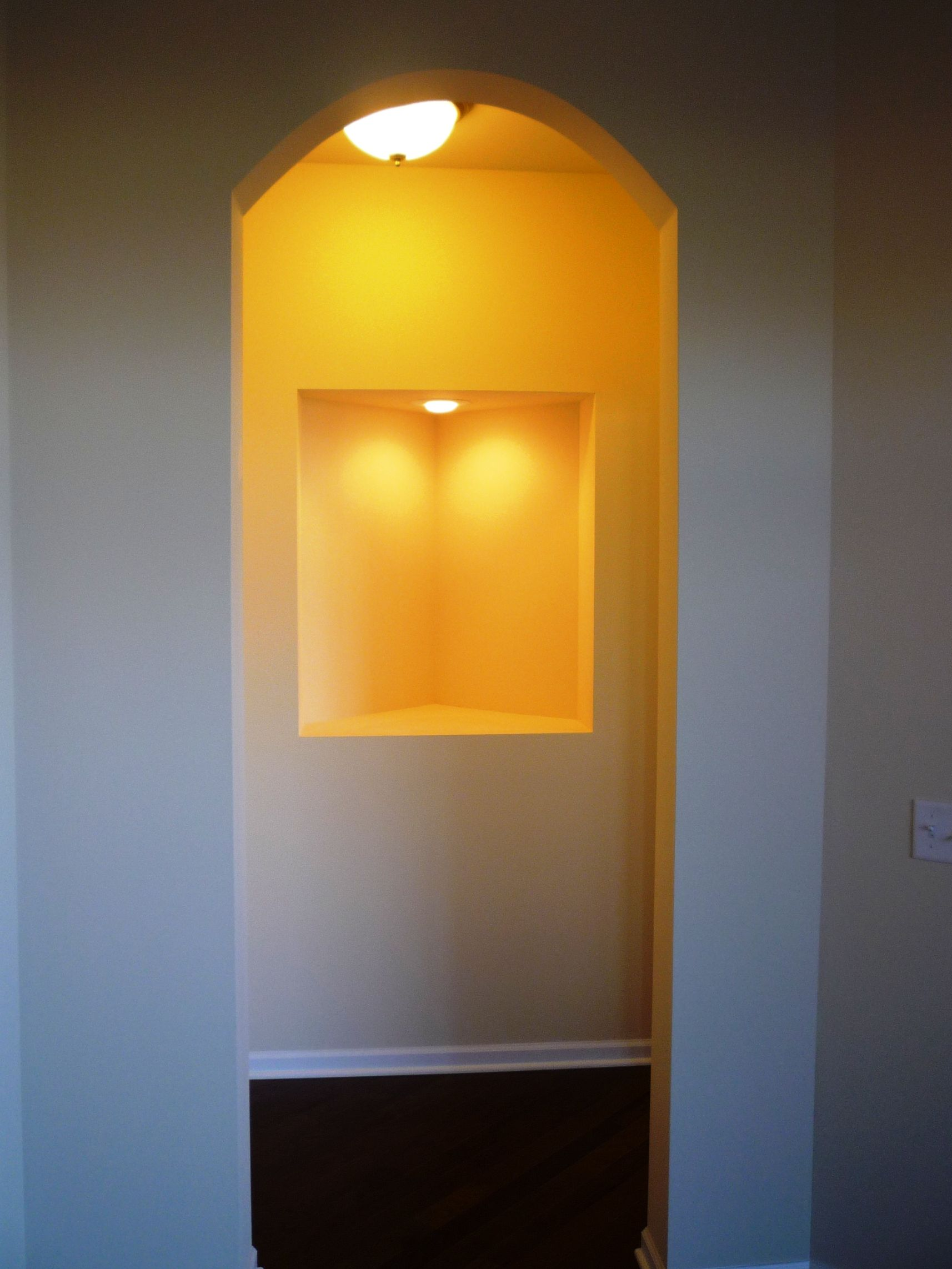 Hallway to master bedroom - display wall niche | Portico | Pinterest ...