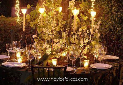 Rom ntica decoraci n de mesas para bodas con flores for Decoracion boda romantica
