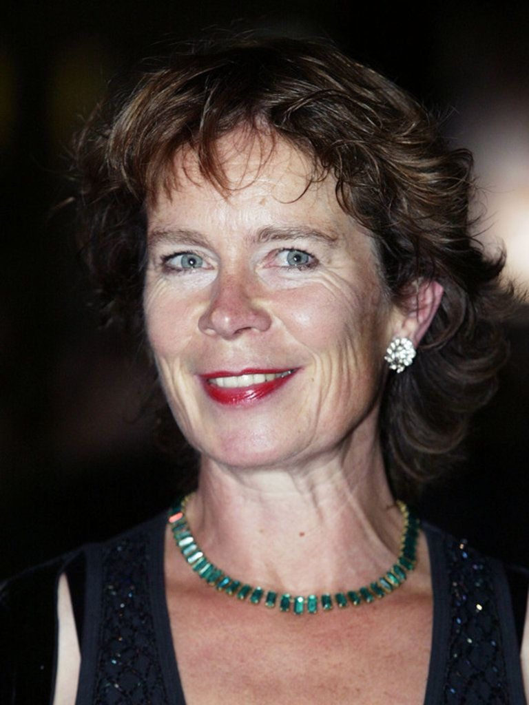 Celia Imrie: loved her in Calendar Girls and The Best Exotic Marigold Hotel...sassy chic.