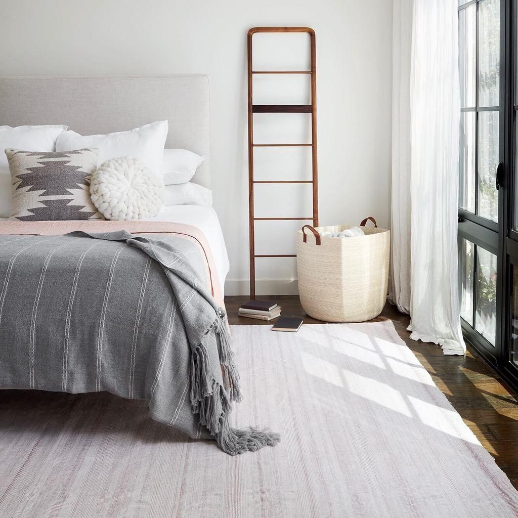 Abeto Alpaca Bed Blanket - Soft Grey in 2019   Small bedroom ...