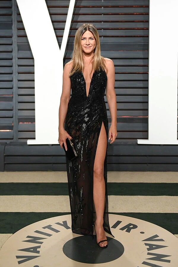 Jennifer Aniston wearing Versace to The 89th Academy Awards 2017 ...