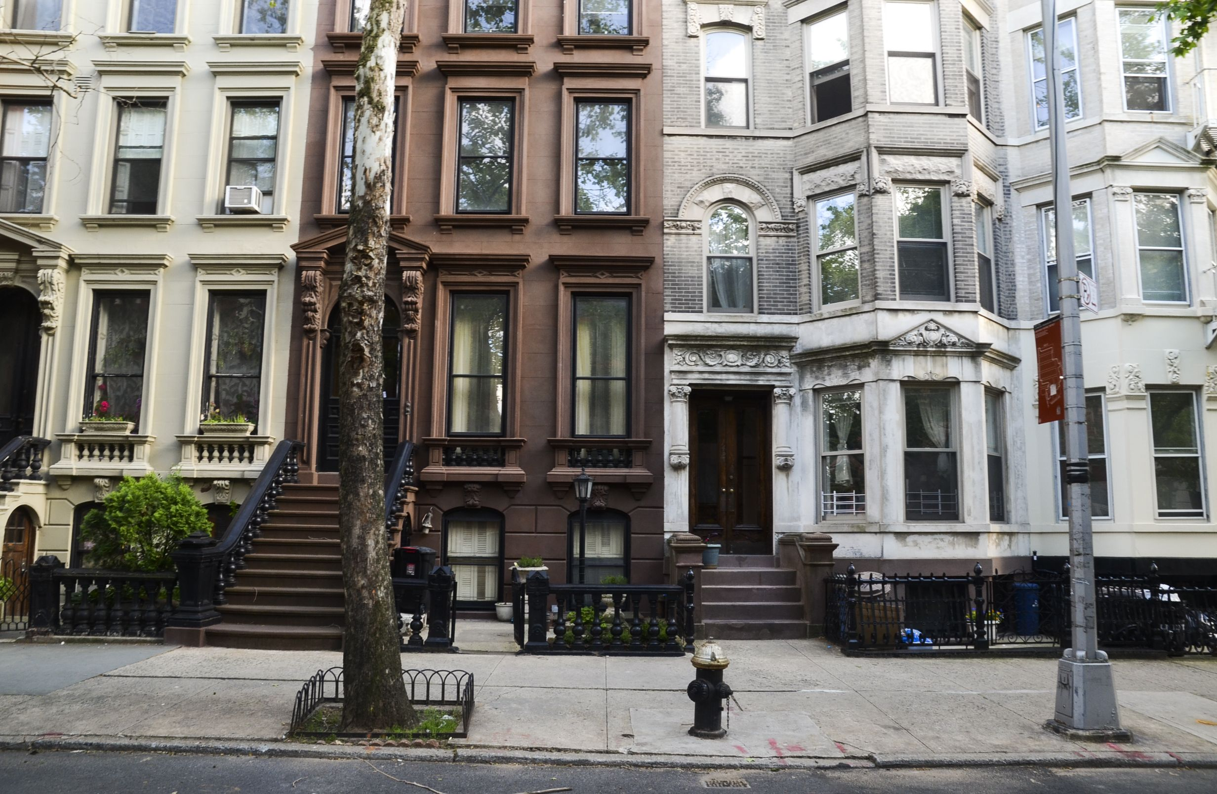 The Changes Of Greenpoint Brownstone Greenpoint Greenpoint Brooklyn
