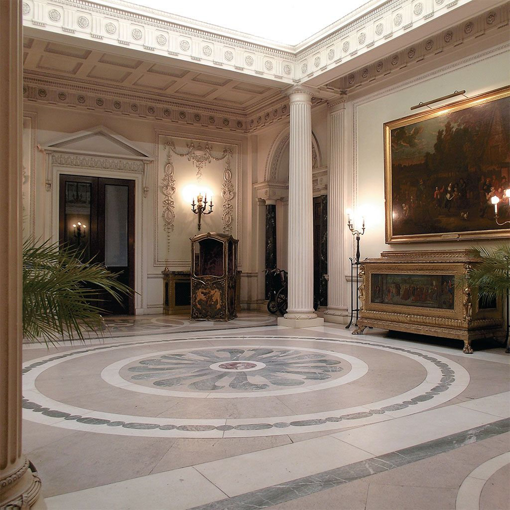 Edwardian Manderston House Entrance Hall Manderston House Duns Scottish Borders Scotland Is The Home Of Adrian Bailie Nottage Palmer 4th Baron Palmer It