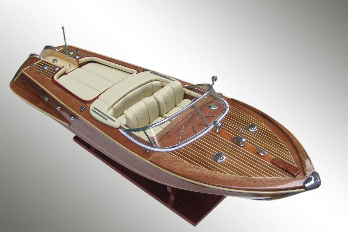 maquette bateau de luxe yacht italien bois boats pinterest bateaux de luxe maquettes et. Black Bedroom Furniture Sets. Home Design Ideas