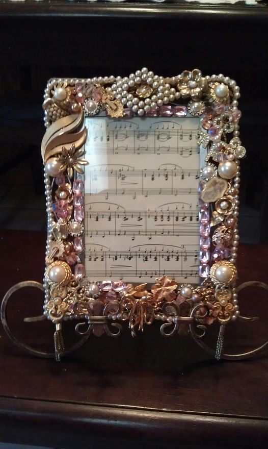 Beaded Frame Jewelry Frames Vintage Jewelry Crafts