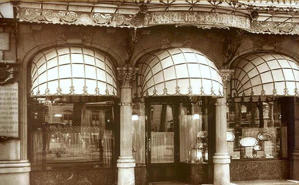 Casa Antoni i Marc Rocamora.Edificio proyectado por los hermanos Bassegoda entre 1911 y 1913. La  joyería Masriera y Carreras, la más emblemática de la época del modernismo.