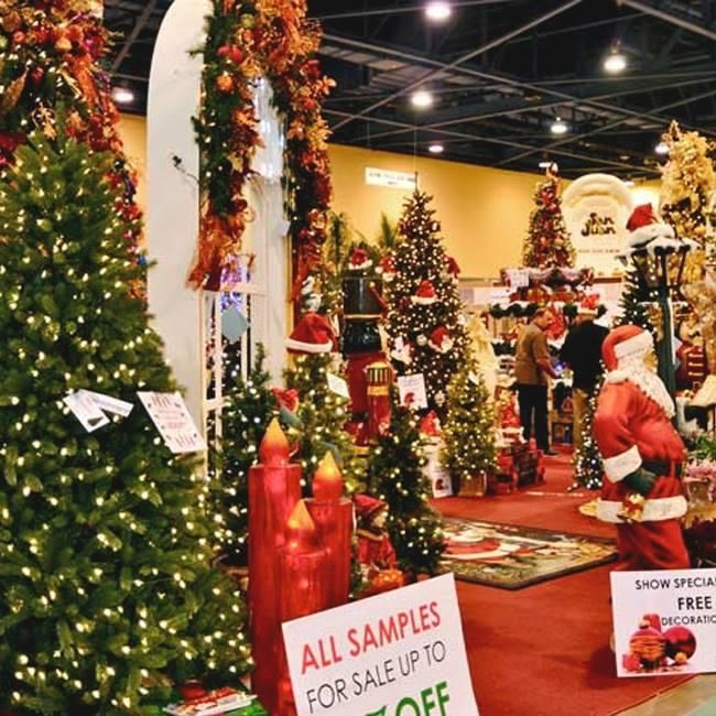 These Southern Christmas Shops Are Open All Year Long Southern Christmas Outdoor Christmas Decorations Christmas Palace