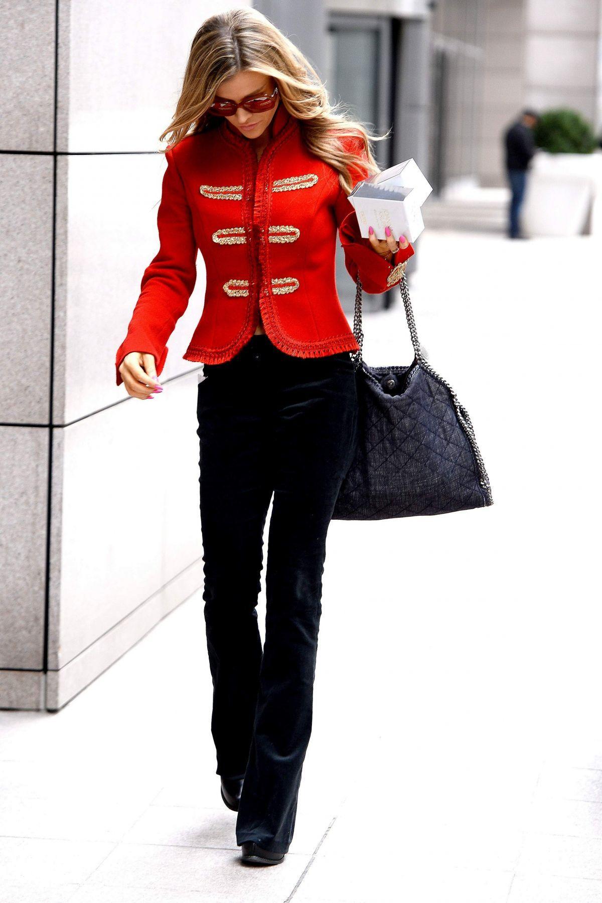 624e2ac1d19c www.hawtcelebs.com ~ Joanna Krupa ~ small denim quilted falabella ...