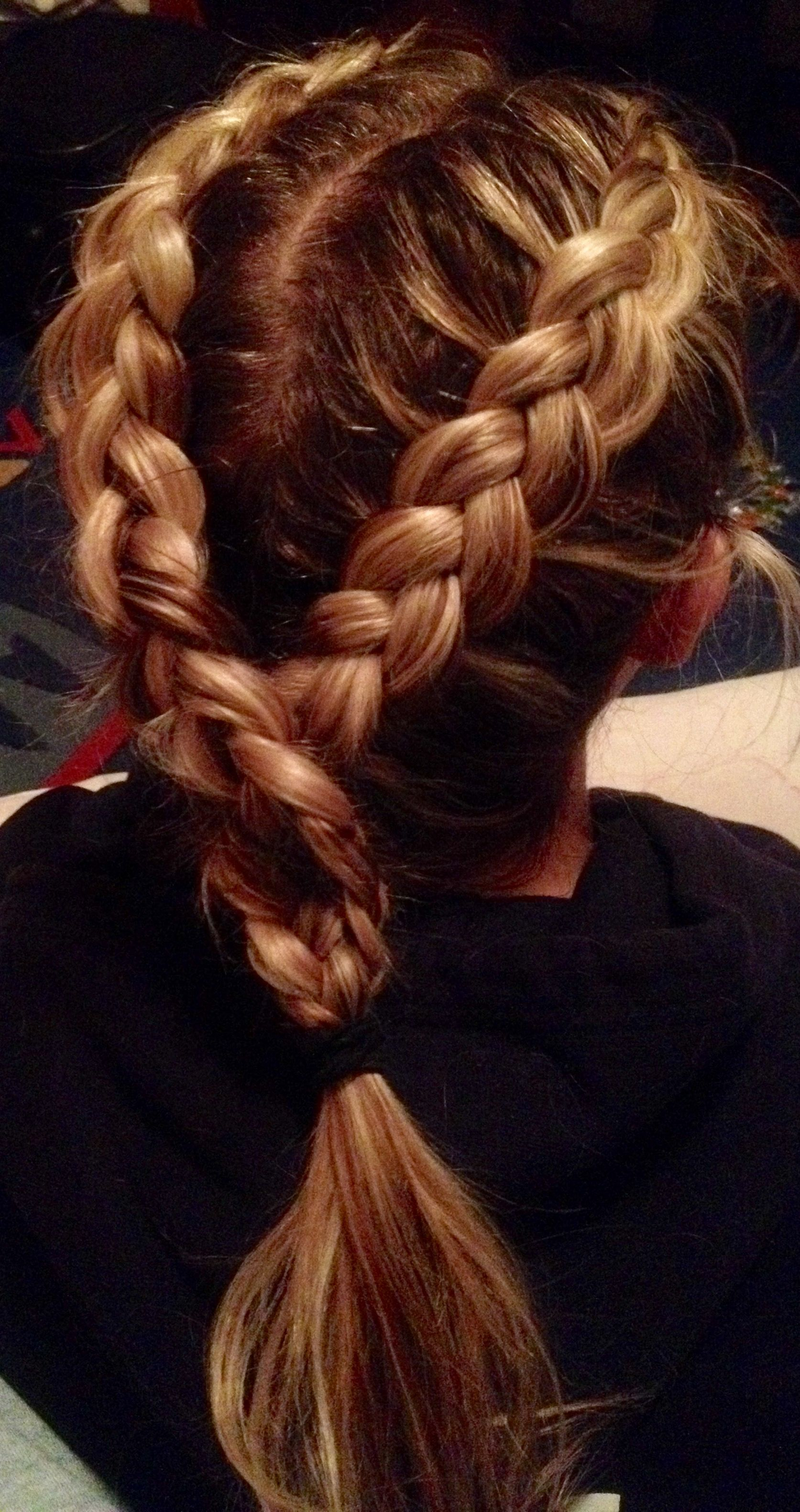 beautiful colour and hairstyle idea easy braids for