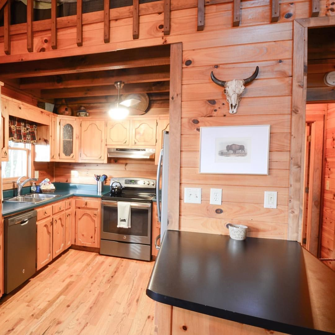 Small Cabindesign Ideas: Working On Some Small Updates To Lighting And Pictures
