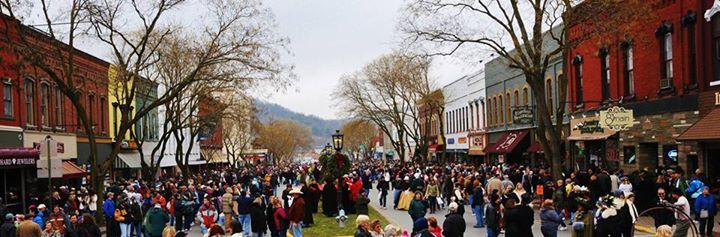 the annual a dickens of a christmas event in wellsboro evokes victorian style