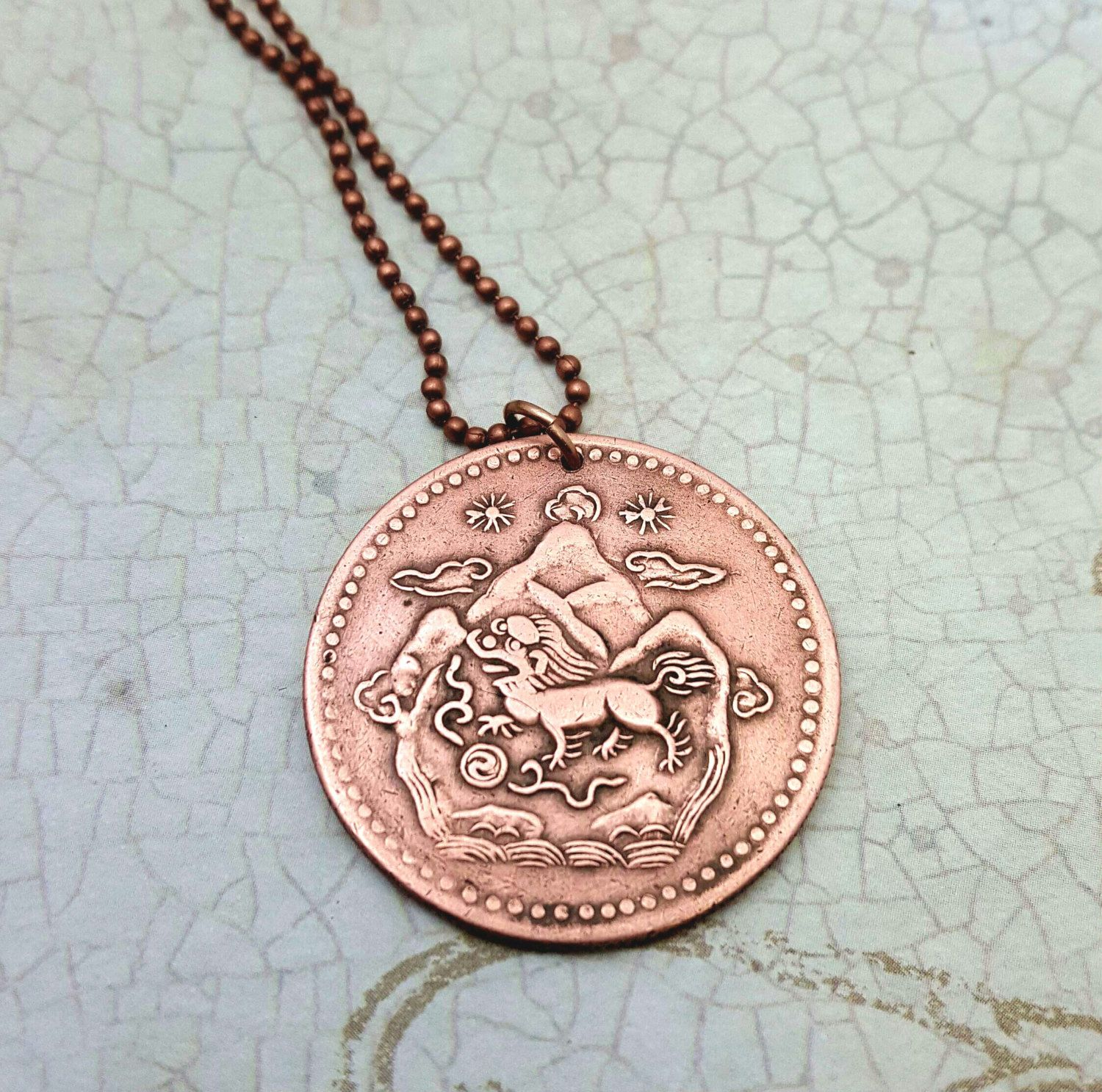 lioncoinnecklace fashion necklace en versus uk coin accessories store women lion pendant gb fashionjewellery for fjmt jewellery versace online
