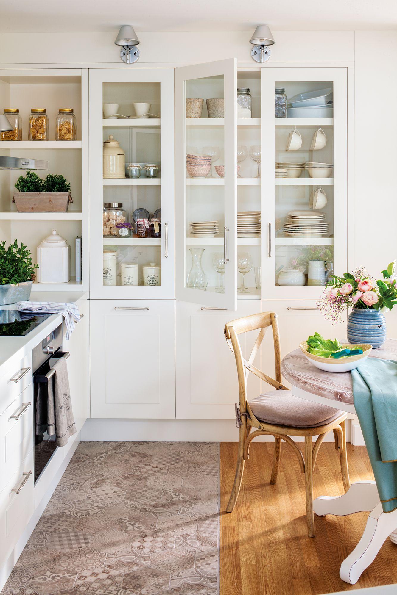 Cocina blanca con vitrina y office 00455156 pinterest cocina blanca vitrinas y blanco - Vitrinas para vajillas ...