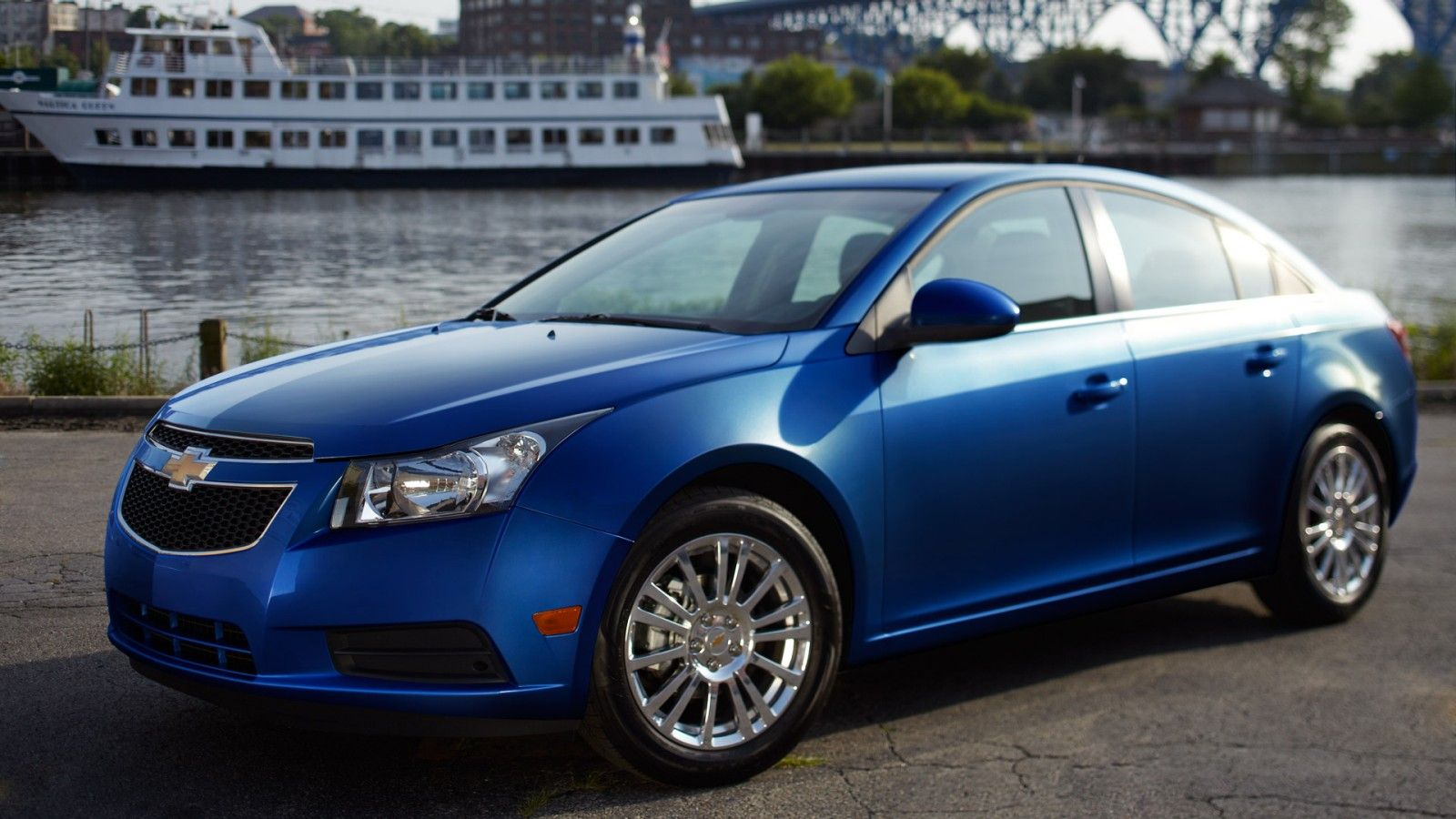 6 Reasons Why You Should By A 2013 Chevy Cruze Mccluskey