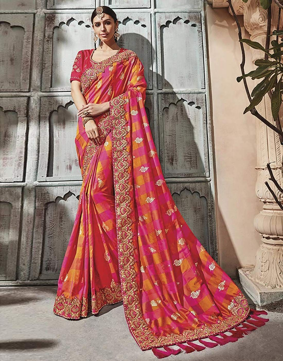 3923ab1e9b78 DesiButik's Party Wear Alluring Multicolor Silk Saree: Amazon.in: Clothing  & Accessories