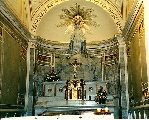 rue du bac our lady of the miraculous medal chapel in paris awesome catholic shrines and. Black Bedroom Furniture Sets. Home Design Ideas