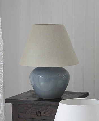 Exclusive flagon table lamp from lombok