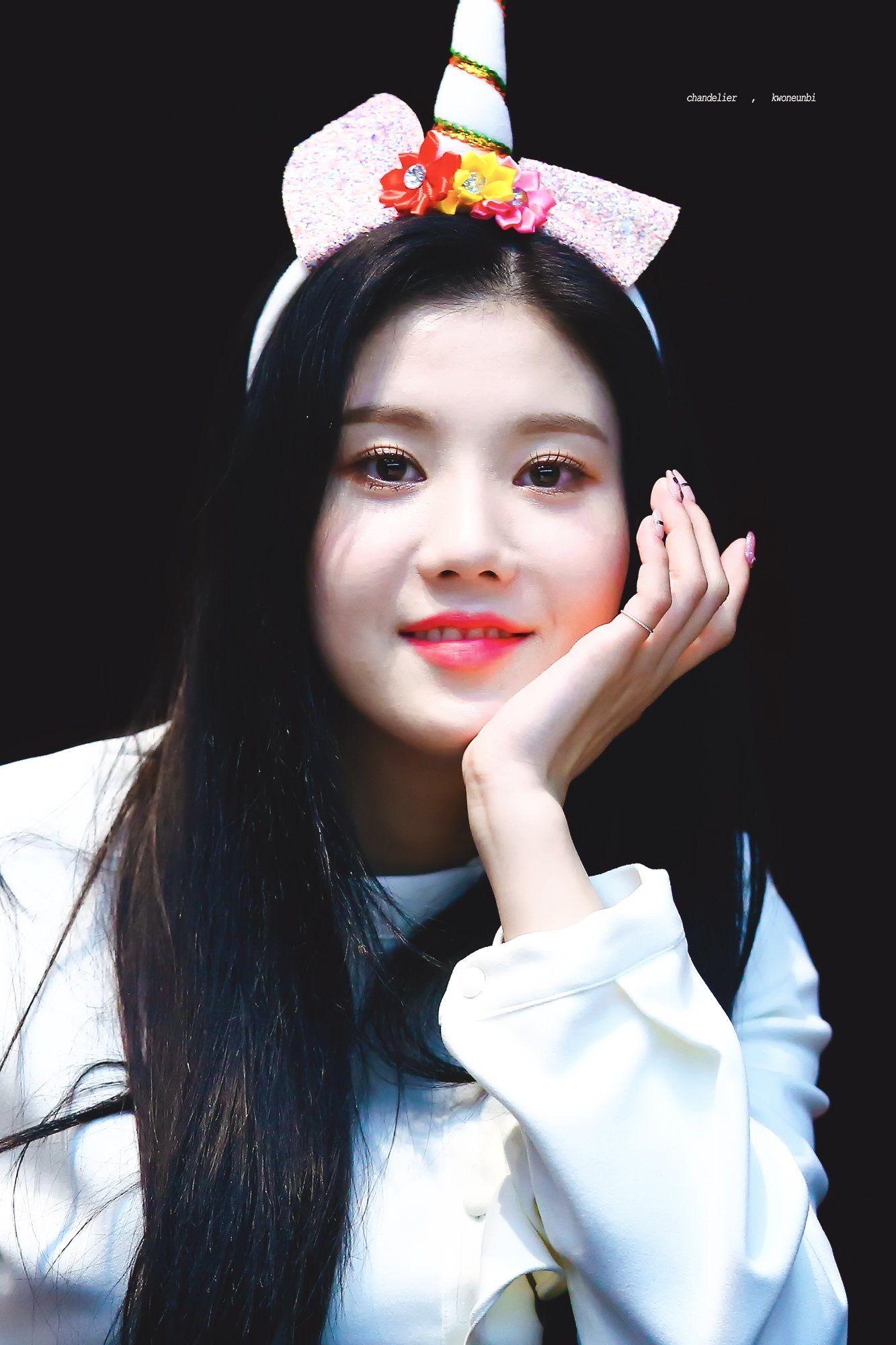 Kwon Eunbi Kwon Eunbi IZONE in 2019 Asian Face Female