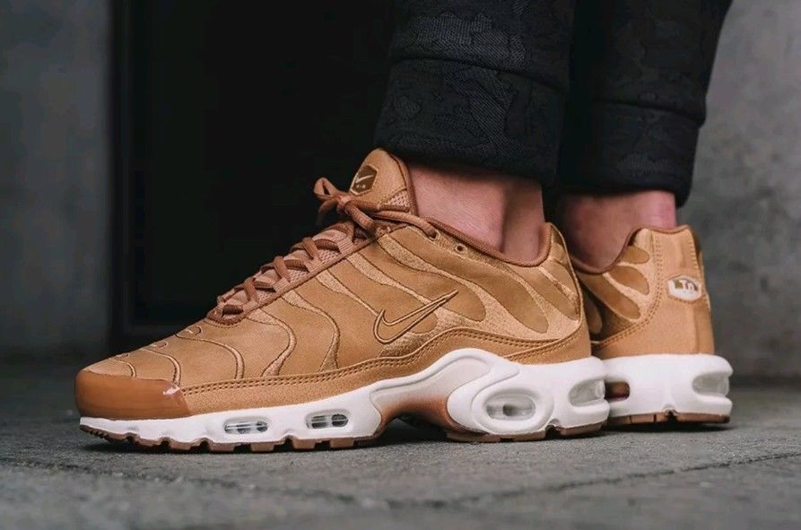 Nike Air Max Plus TN Tuned 1 EF Wheat Flax Suede Sail White