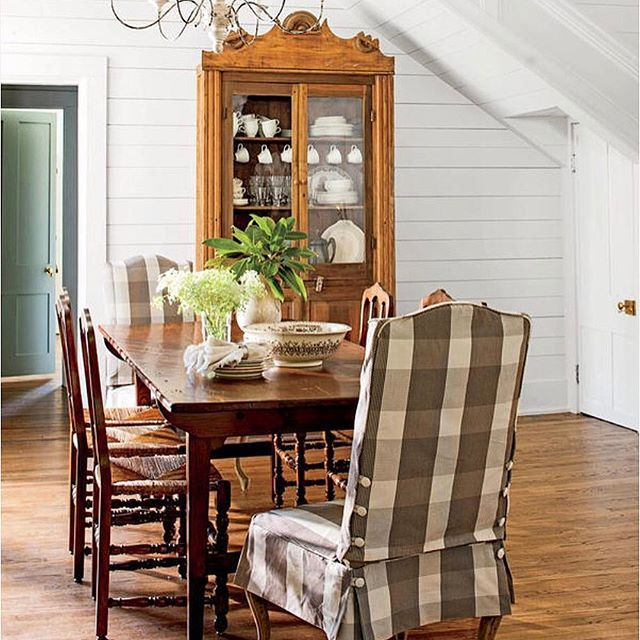 Southern Charm Living Room: A Charming Dining Room In Monteagle, TN. ☀️Featured In