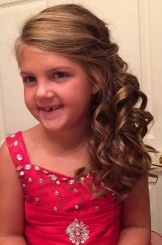 Little Girl Pageant Side Curls In 2020 Pageant Hair And Makeup