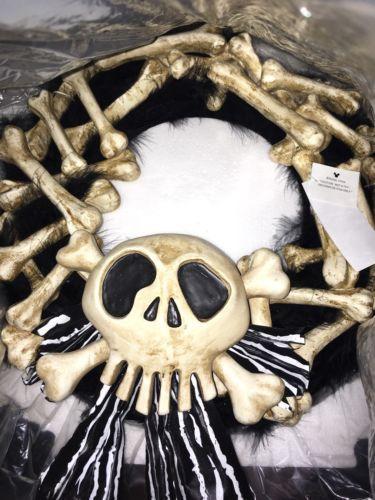 Nightmare Before Christmas Haunted Mansion Holiday Disneyland Bone Wreath https://t.co/1b40R4zM7c https://t.co/BiZvnrKBpR