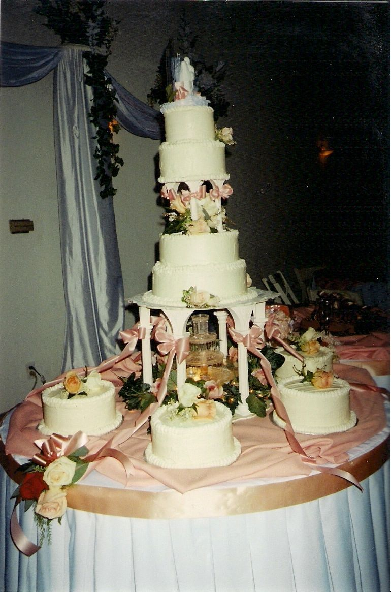 Big Wedding Cakes With Fountains Happys Cake Shop