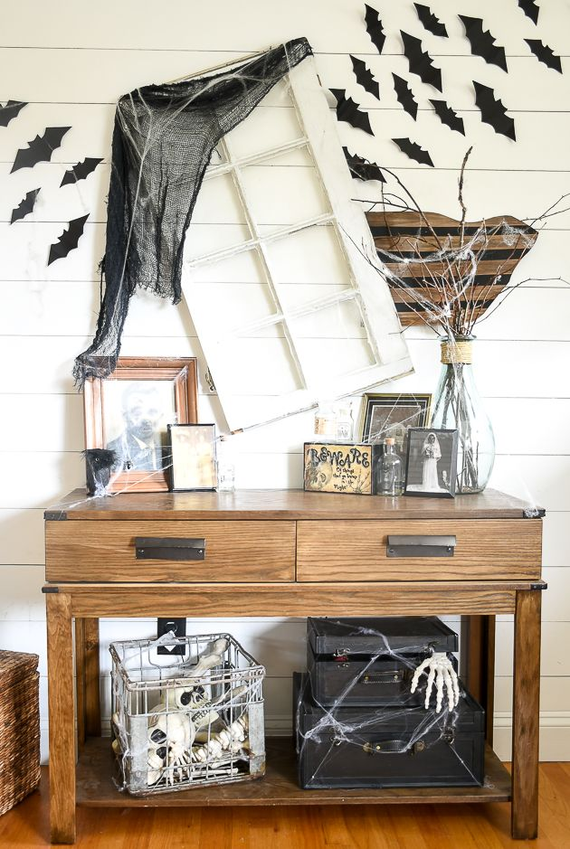 Creating a beautiful home, one thrifty project at a time Blogger - halloween desk decorations