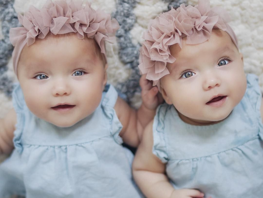 Taytum And Oakley Fisher Adorable Twin Girls Children Of Kyler And