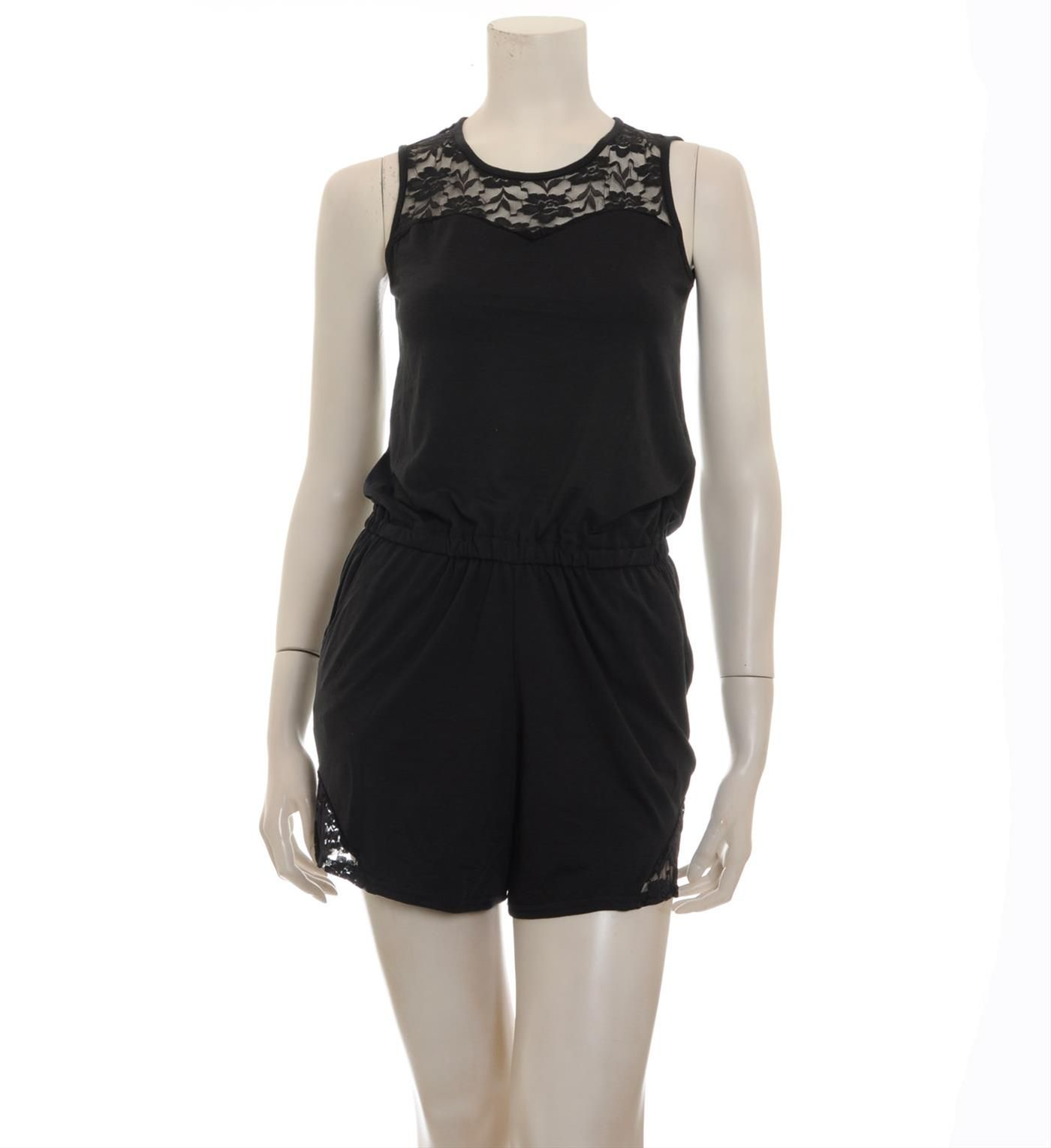 Sparkz uni jumpsuit model Frisco. Dit korte mouwloze jumpsuit is voorzien van accenten van kant aan de bovenzijde en onderaan de benen - Zwart - NummerZestien.eu