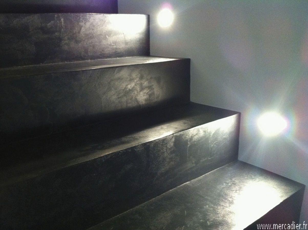 Best 25 concrete stairs ideas on pinterest concrete for Enduit decoratif interieur