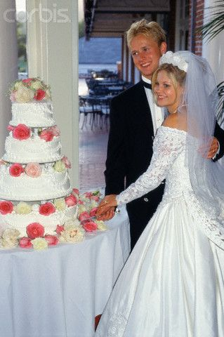 Candace Cameron Wedding Cake Candace Cameron Wedding Famous Wedding Dresses Celebrity Wedding Photos