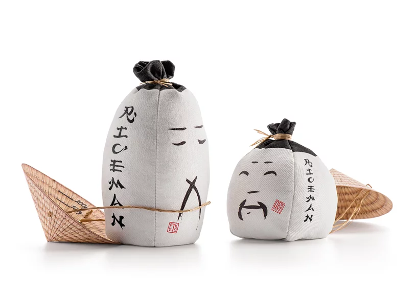 Rice Packaging Honors Farmers With Conical Hat That Doubles As A Measure In 2020 Rice Packaging Packaging Design Sustainable Packaging