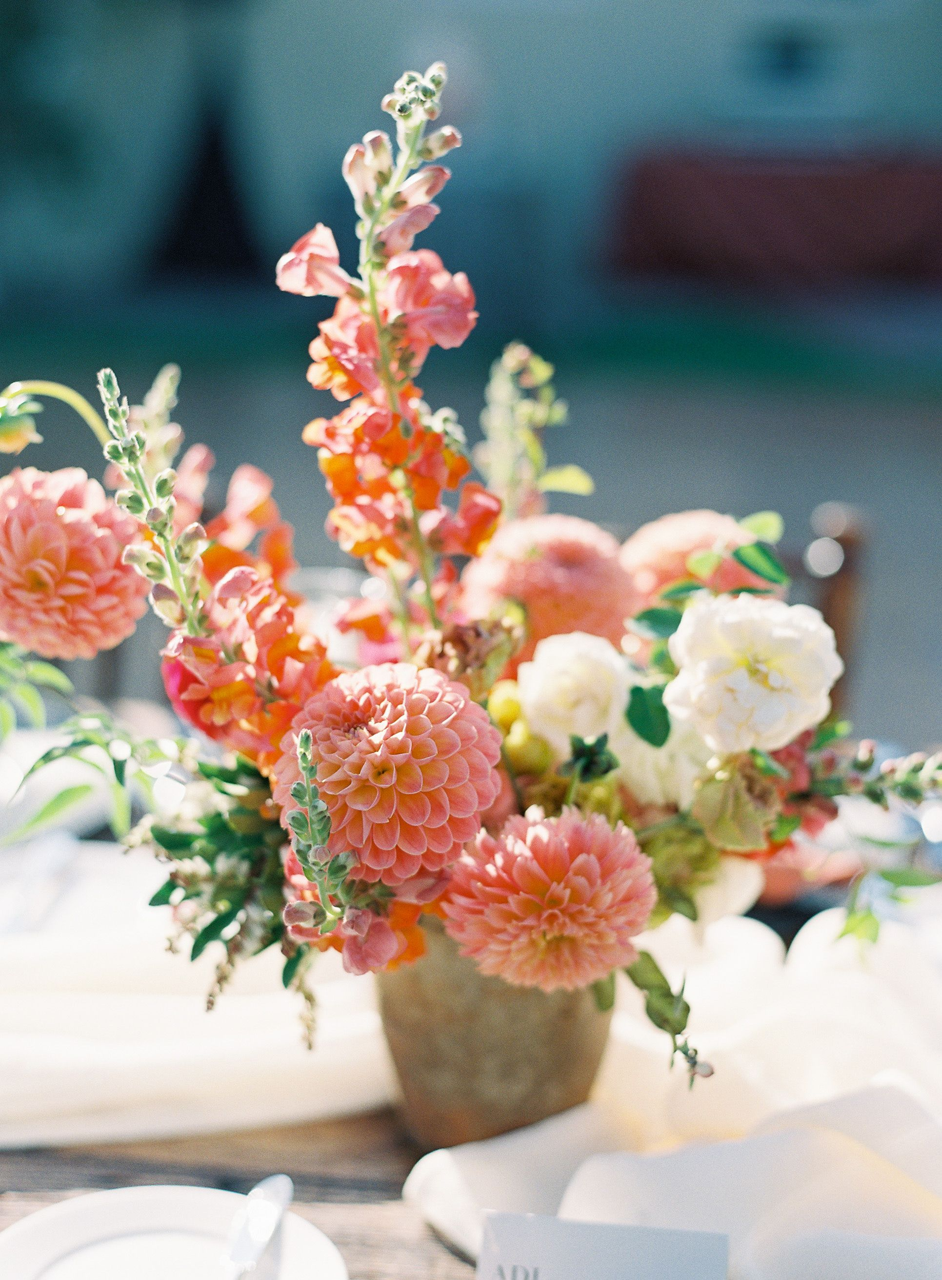 Peach Dahlia Arrangement In 2020 Dahlia Flower Arrangements Dahlias Wedding Wedding Flower Arrangements