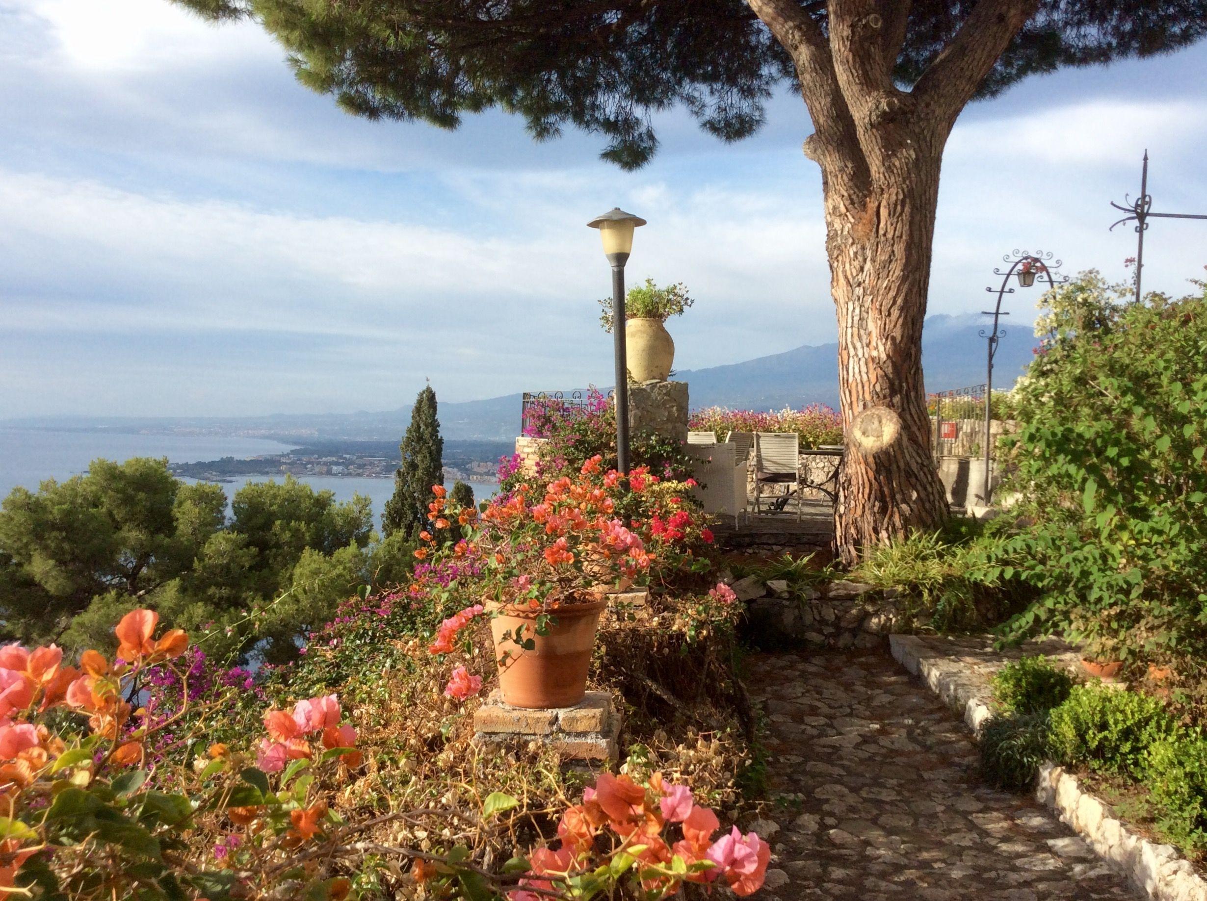 Garten vom Hotel Bel Soggiorno | Taormina | Pinterest