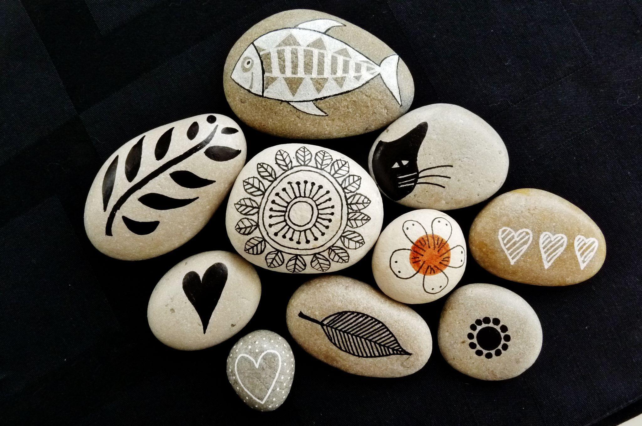 pin von christine staffelleitner auf steine pinterest steine bemalen steine und anleitungen. Black Bedroom Furniture Sets. Home Design Ideas