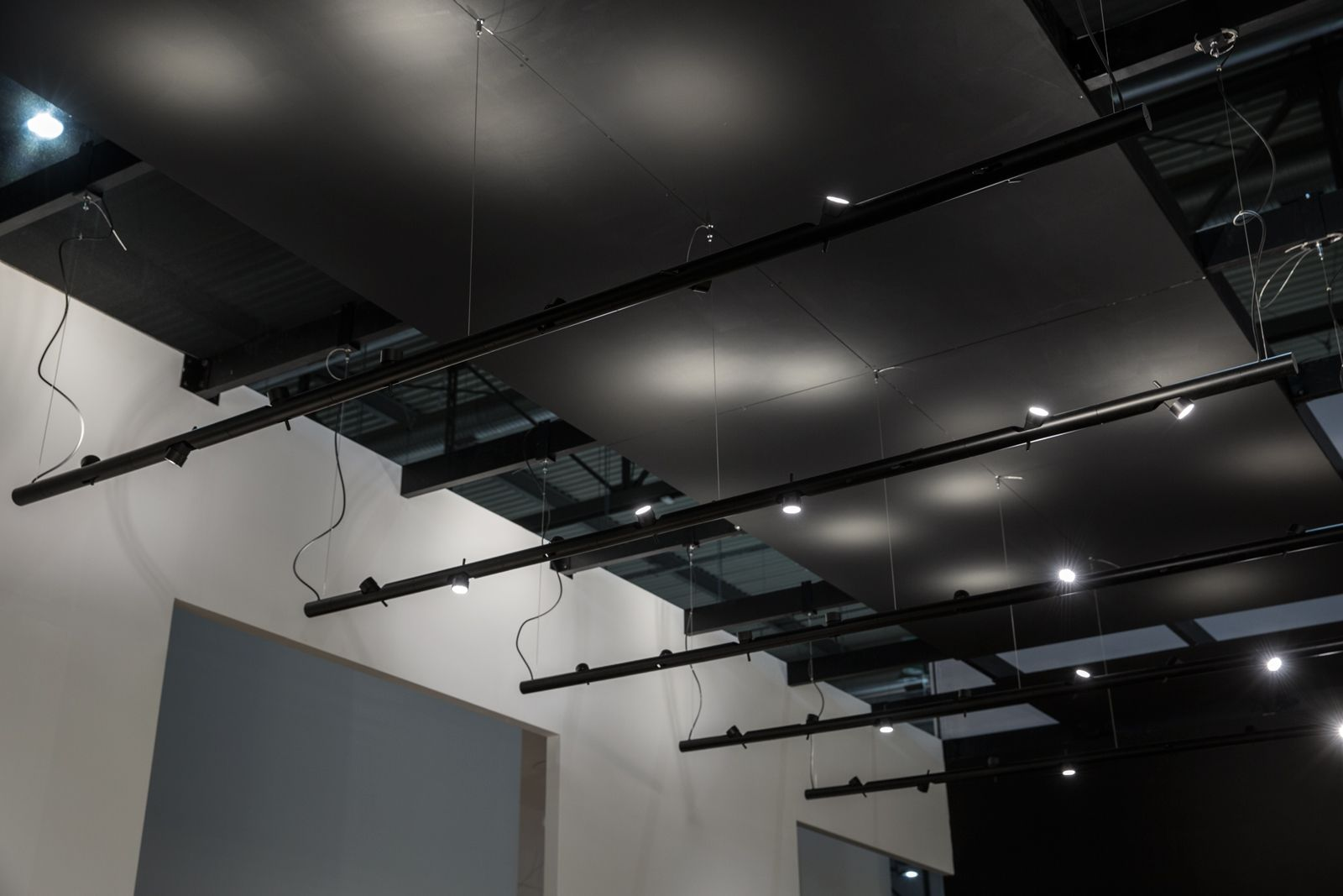 Lampada Tubolare Led : Lampada modulare a sospensione in tubolare di alluminio