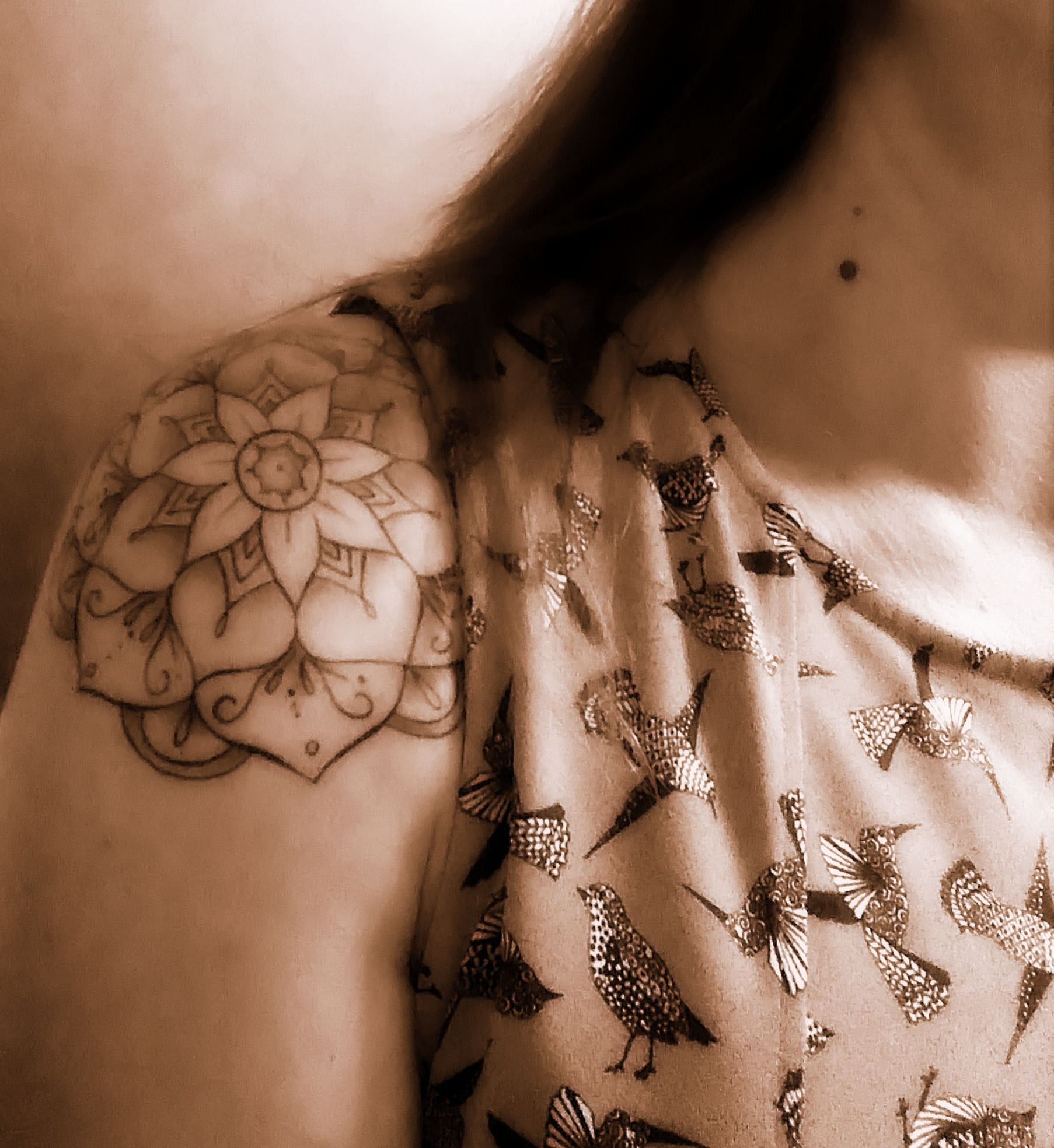 1 2 Sleeve Tattoo Epaule Femme Roses Images For Tatouage