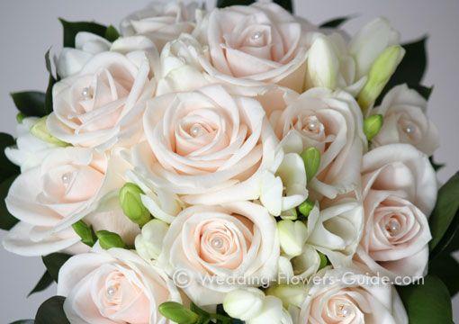 cream-rose-bridal-bouquet