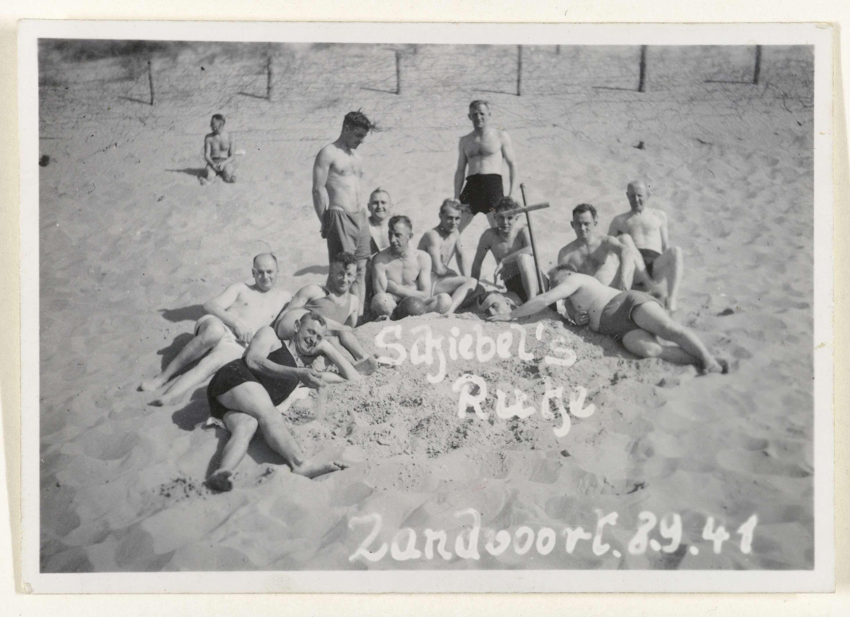 Vans Zwembroek.Anonymous Duitse Soldaten In Zandvoort 1941 Anonymous 1941
